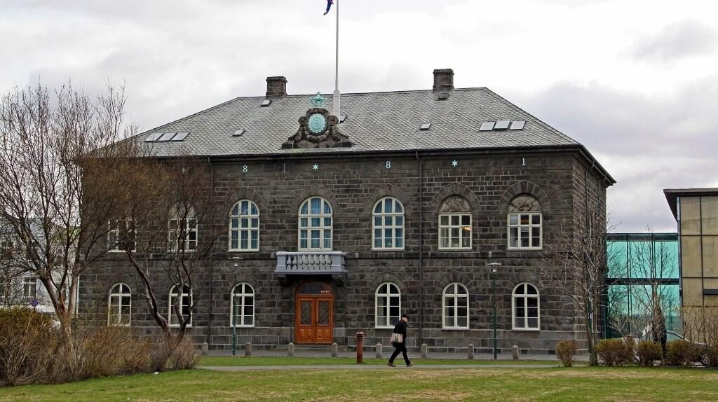 Iceland: Alþingishúsið in Reykjavik