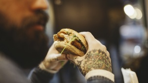 4 Ways Your Independent Eatery Can Appeal To Millennials Online