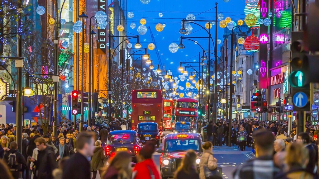 High Street To Be Hit By 'Perfect Storm' This Christmas