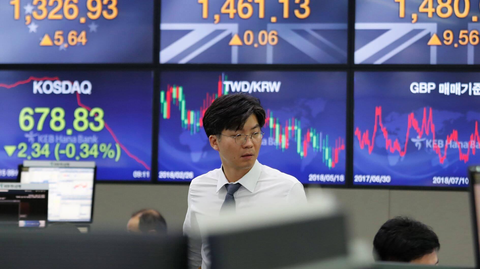 China's Economy Growth Cools Amid US Tariff War