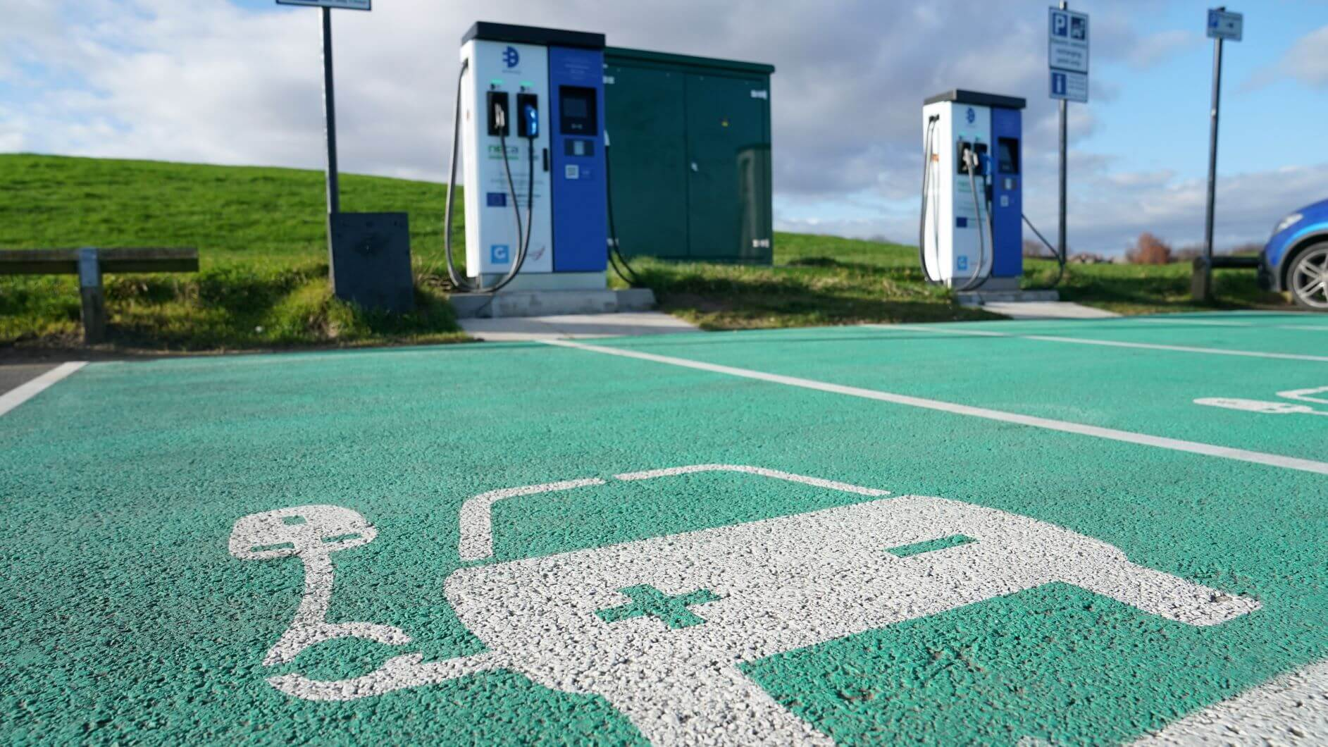 How Electric Cars Are Becoming More Popular In The UK