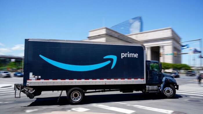 Amazon Offers Vaccination Bonus In Bid To Recruit 75,000 New Workers