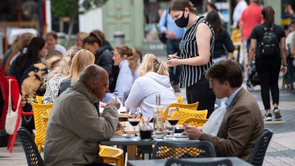 More Than 17,000 Al Fresco Seats Approved For England's Streets
